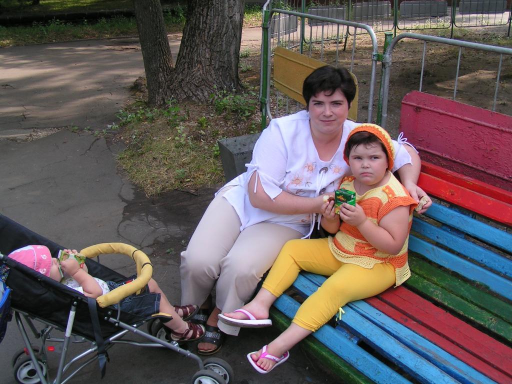 Нажмите на изображение для увеличения.  Название:Маришка. в парке.jpg Просмотров:276 Размер:137.2 Кб ID:49225