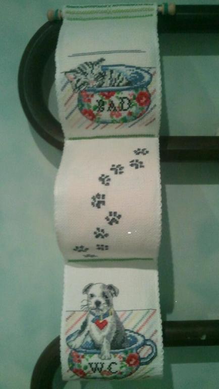 Нажмите на изображение для увеличения.  Название:17.Котёнок и щенок. Держатель для т.бумаги..jpg Просмотров:250 Размер:32.8 Кб ID:126668
