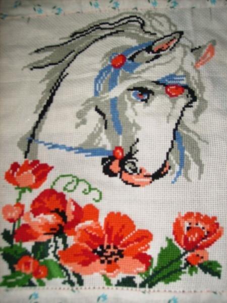 Вышивка крестом лошади маки 61